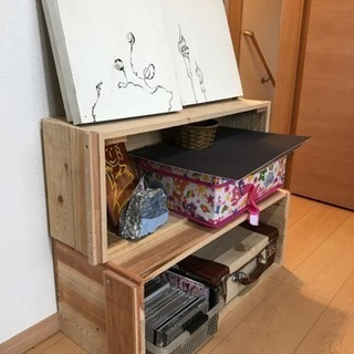 棚にもなる木箱(りんご箱)