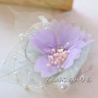 スワロフスキーがキラリと光る桜のブローチ♥いつでもイベント…
