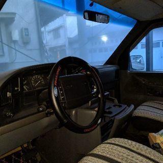 フォード クラブワゴンXLT