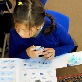 ロボット作成、子供向けアイコンプログラムの支援と指導者