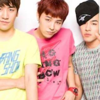 BIGBANG ユニクロ コラボTシャツ