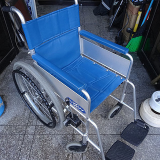 ★日進医療器★車椅子 スチール製 自走式 折り畳み可能