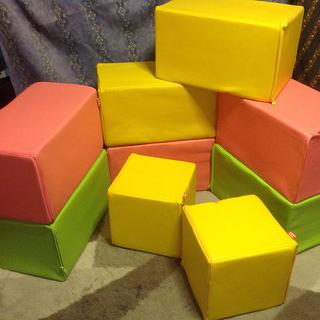 キッズブロッック キッズコーナー ブロッククッション無料で差し上げます。