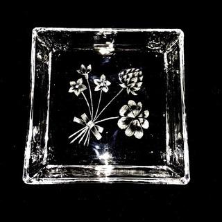 ガラスに素敵な図柄を彫るグラスカービング❤︎体験レッスン