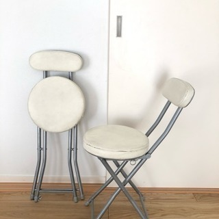 折り畳み椅子 二脚