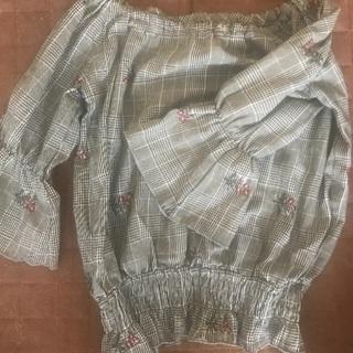 【着用1回のみ】花柄刺繍ブラウス 妊婦さん着られます