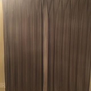 遮光カーテンとレースカーテン