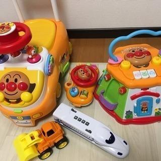 アンパンマンおもちゃ、車おもちゃ