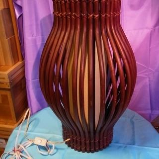 レトロ・エスニックテイストの照明(木製) スタンドタイプ