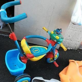 トーマス三輪車ジャンク!別出品の青いホロ付き三輪車と一緒に引き取り...