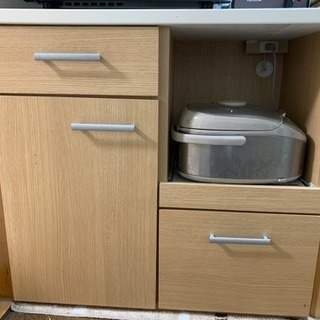キッチン用食器、炊飯器収納棚
