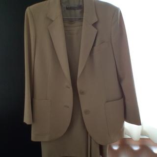 スーツ クリーム色 9号