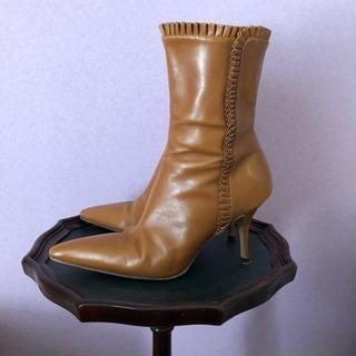 マノロブラニク  ブーツ 37.5
