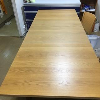 IKEA 伸長ダイニングテーブル
