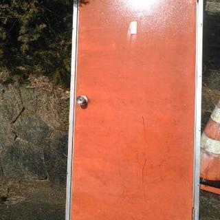 ドア 仮設 資材置き場