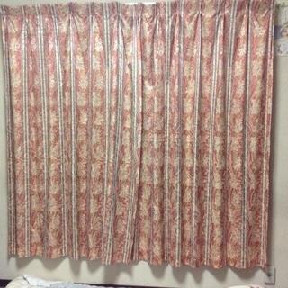 遮光性カーテン中古2枚セット