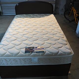 セミダブルのフランスベッド(収納付)