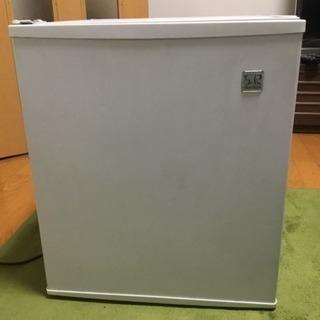 ミニ冷蔵庫 寝室、ロフトなどにどうですか?