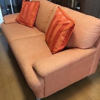 オレンジのソファー 180cm