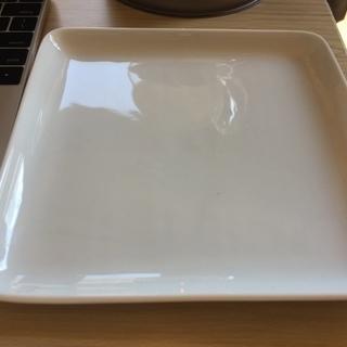 四角い皿(無印)