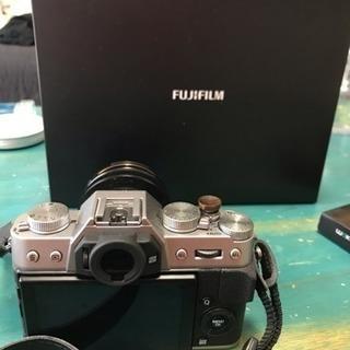 FUJIFILM ミラーレス一眼 X-T20 レンズキットシルバー