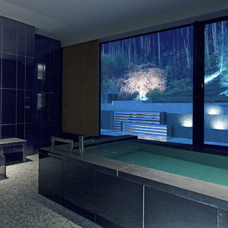 客室内浴室の配管フィルターメンテナンス