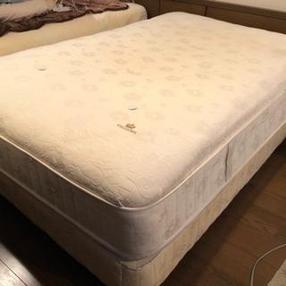 【無料0円】KINGSDOWN ベッドマットレス+ベッドフレーム...