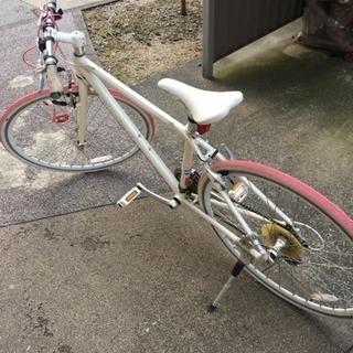 FUJIのクロスバイク(パレット)と専用の空気入れ