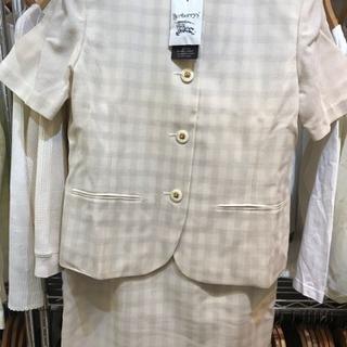 Burberry 半袖スーツ