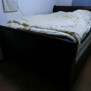 クイーンサイズベッド 持って帰れる方に差し上げます