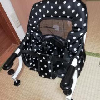 机装着用ベビー椅子