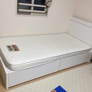 中古品 ニトリ ベッド マットに若干シミあり 現在、ドタキャンに...