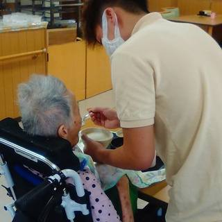 介護の仕事/老人ホーム/ヘルパー − 大阪府