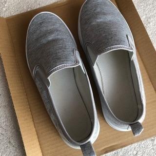 グレーの靴23.5~24中古です