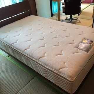 シングルベッドとフレーム