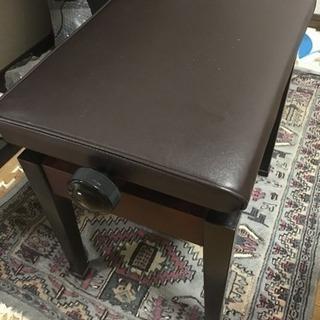 ピアノの椅子【3月中】