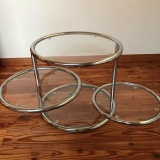 ガラスのコーヒーテーブル