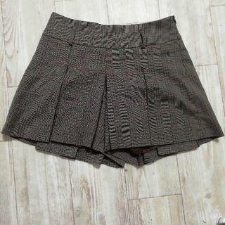 チェックのキュロットスカート