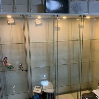 ガラス製ショーケース4個セット(単品売却可能)の画像