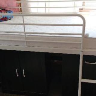 (お取り引き中)ロフトベッド+本棚+収納2つ(マットレスは付きません)