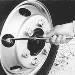 出張型 日常点検・タイヤ講習 (Gマーク対策など 運送会社様向け)