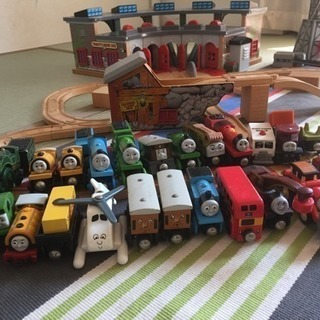 木製トーマス駅舎レール機関車クレーンセット