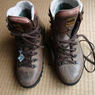 早い者勝ち🎵値下げ❗本革《ゴアテックス》登山靴26センチ