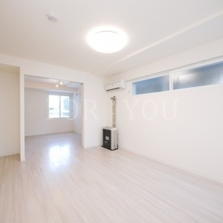 ◇新築◆床カラーホワイトで明るいお部屋♪ペット可・ネット無料◎