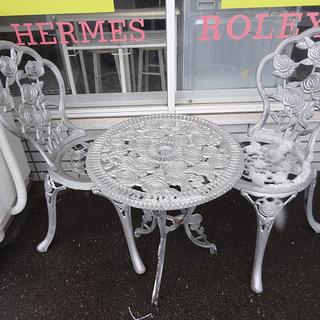 【恵庭】ガーデンテーブルセット テーブル&チェア2脚 鋳物製 シ...
