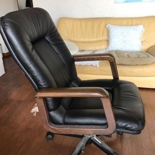 本革の安楽椅子
