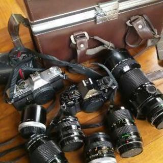 フイルムカメラ2台と各種レンズ