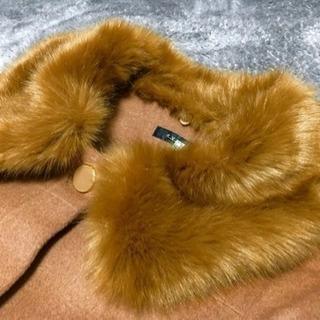 フワフワファーのブラウンコート。