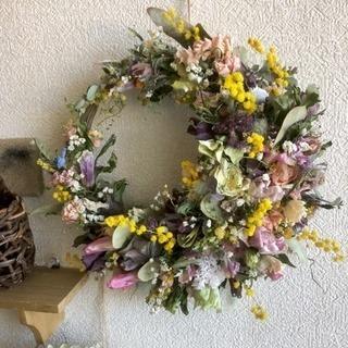 この春採れたお花のみで作る三日月リース