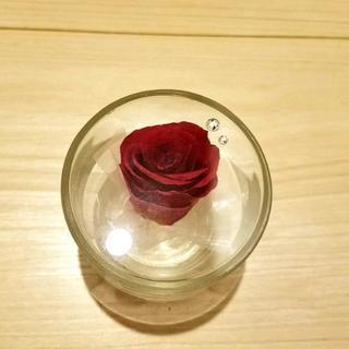 (新品同様)深紅のバラのジェルフラワー
